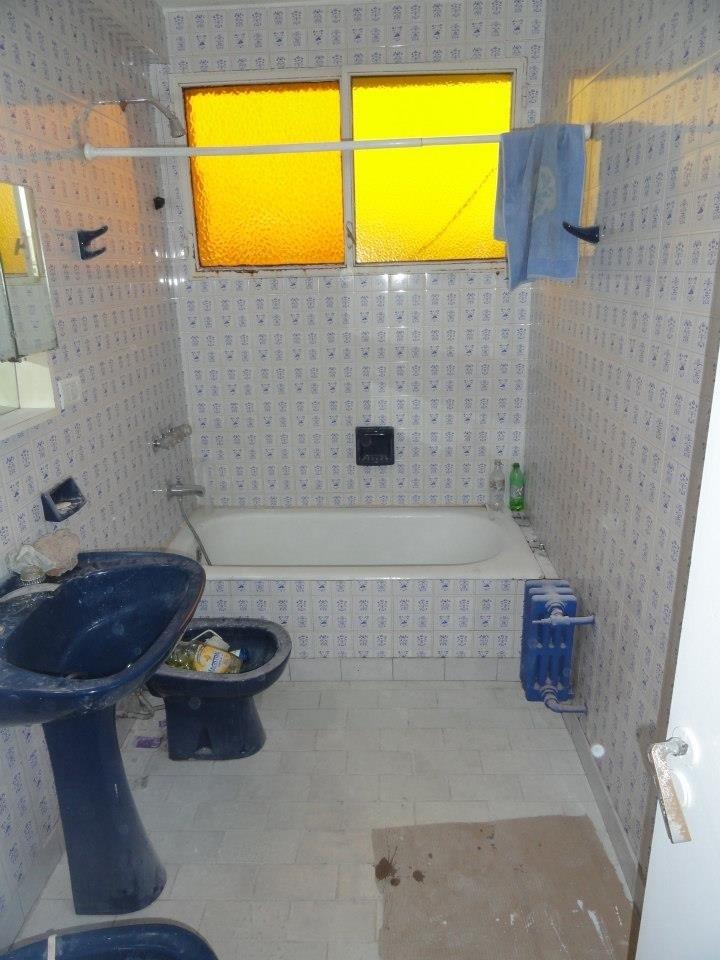 Baño Debajo De Escalera Con Ducha:Reforma de un baño con plato de ducha de obra