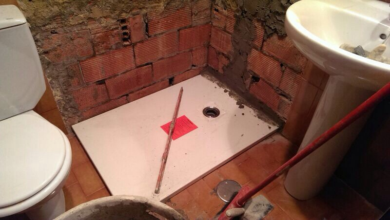 Cuanto cuesta quitar la ba era y poner un plato de ducha - Como colocar un plato de ducha de resina ...