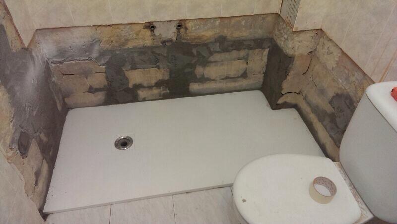 Azulejos para ba os antideslizantes - Alicatar cuarto de bano ...