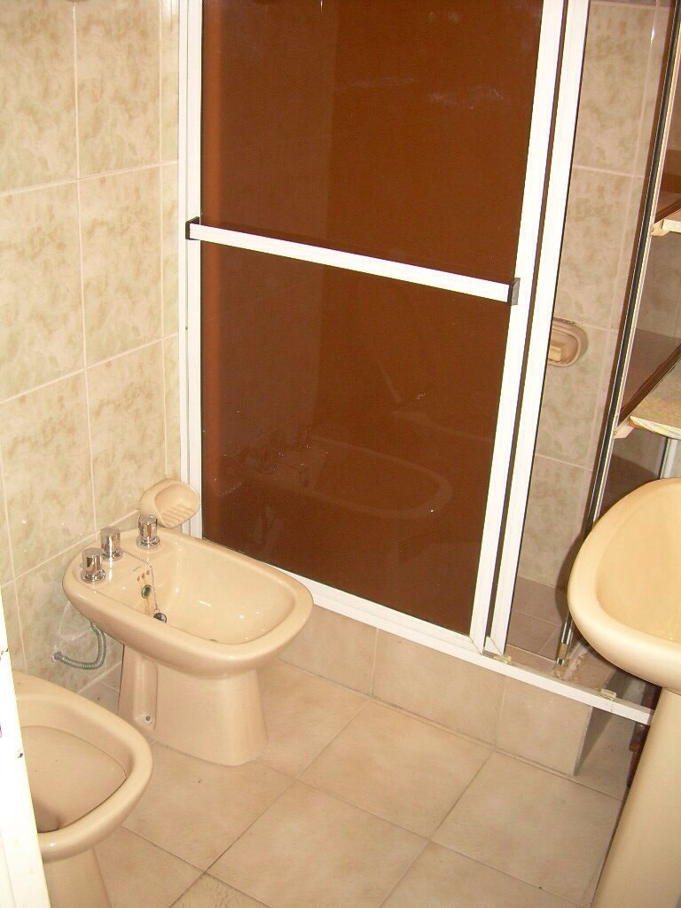 Baño Reformado Ducha:Reforma de un baño con plato de ducha de obra