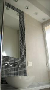 141 - Reforma de dos baños con gresite de vidrio.
