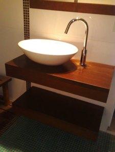 20 1 - Reforma de dos baños con gresite de vidrio.