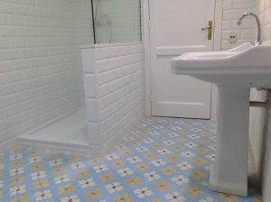 baldosa hidraúlica para el baño