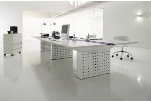 escritorio-en-blanco-estudio-interiorismo-es