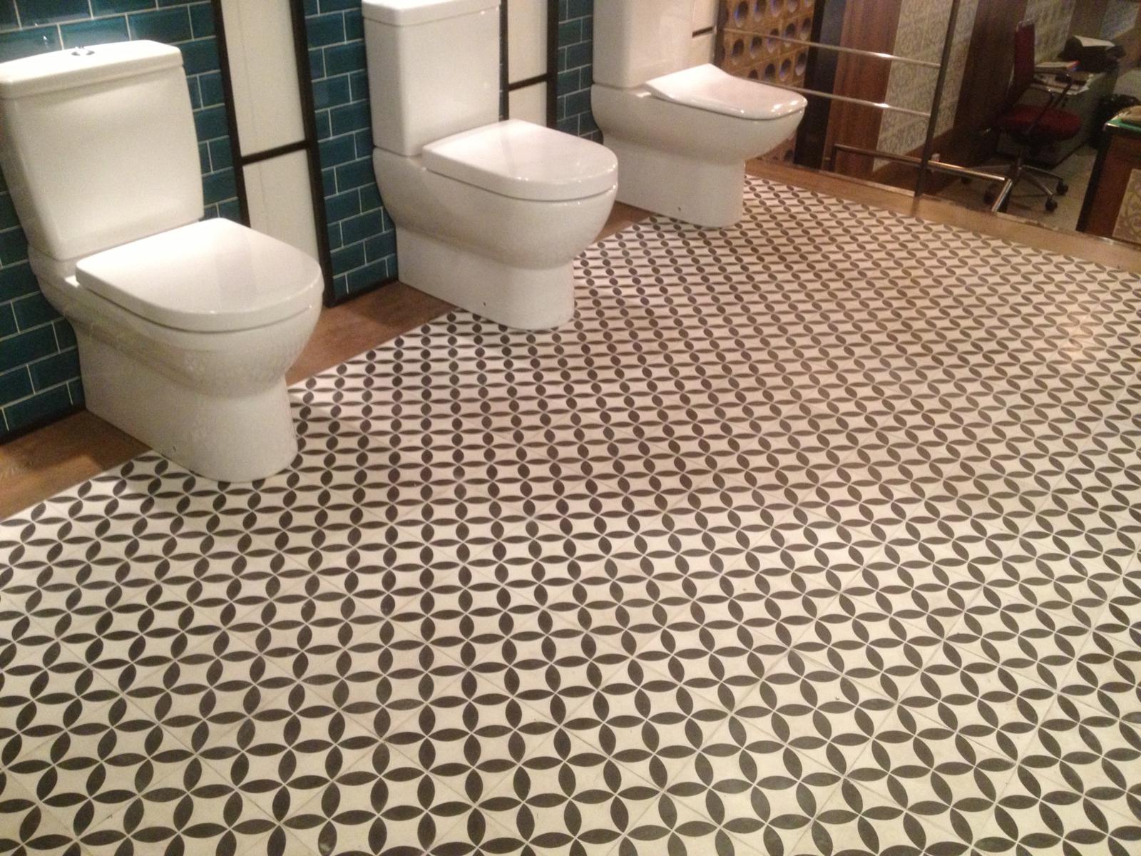 Ba os con azulejos hidraulicos - Azulejos para mosaicos ...