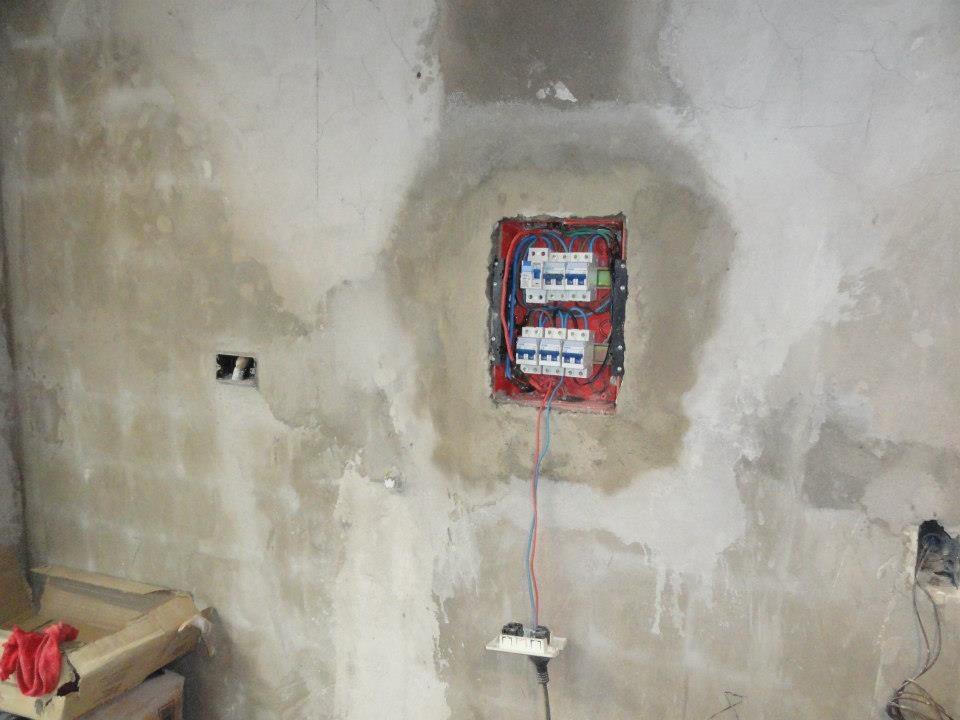 cambiando la instalación eléctrica de la cocina