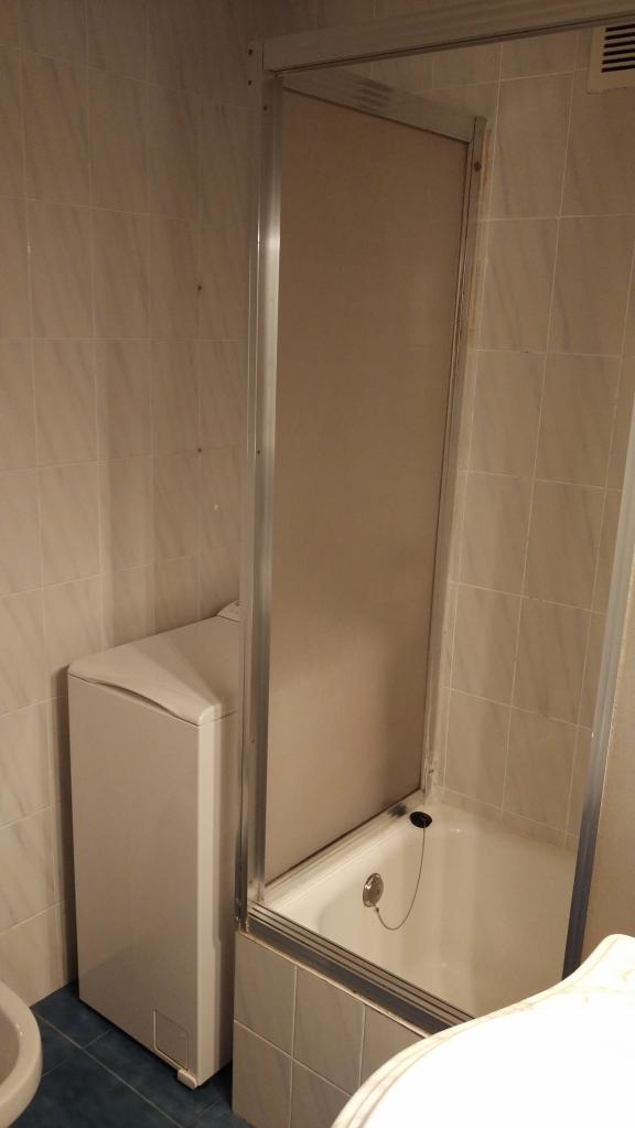 Baño Reformado Ducha:Baño con ducha y lavadora reformado en Egia Donostia