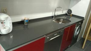 wpid img 20151021 101756 - Cocina completa y mamparas de baño instaladas en Irura.