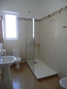 foto 123767  - Antes y después de baños reformados.
